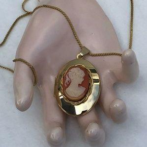 Cameo Locket Pendant w\ Necklace Chain Goldtone
